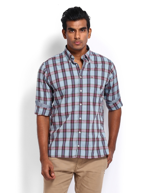Tommy Hilfiger Men Blue & Maroon Checked Jasper Custom Fit Casual Shirt