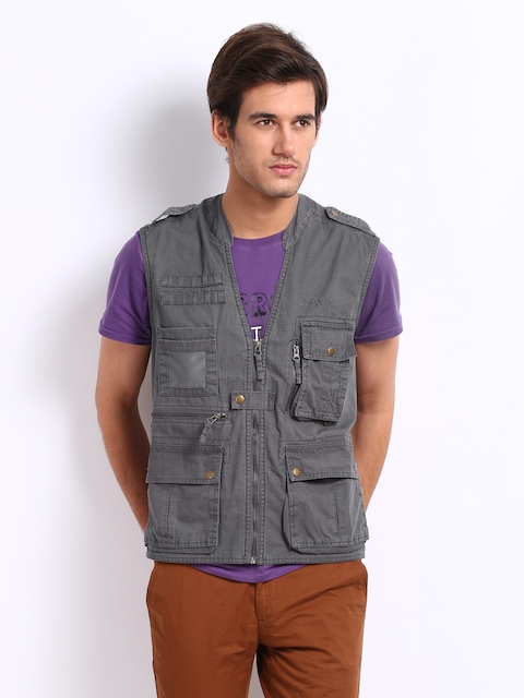 Wildcraft Unisex Dark Grey Sleeveless Jacket