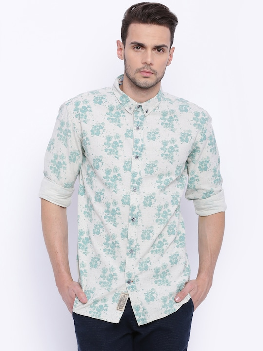 Breakbounce Off-White & Green Printed Slim Fit Casual Shirt