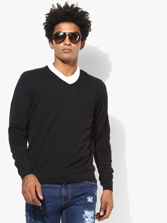 Black Solid Regular Fit V Neck Sweater