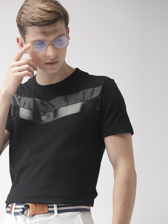Men Black Solid Round Neck T-shirt thumbnail