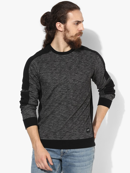 Grey Solid Regular Fit Round Neck Sweaters