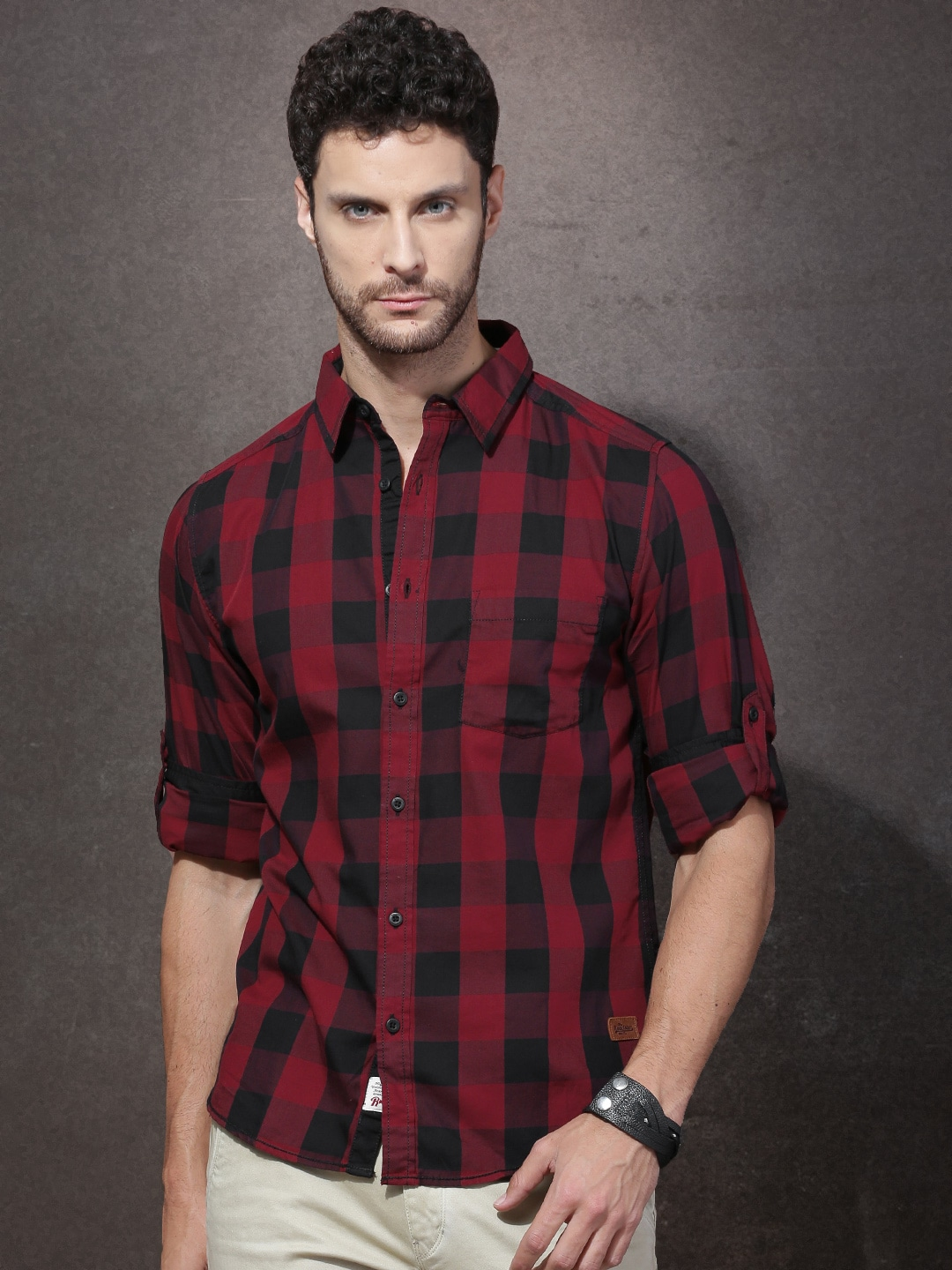 Buy Roadster Black & Maroon Regular Fit Checked Men's Casual Shirt At Best Price