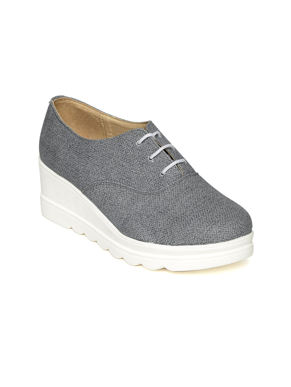 VAPR Women Charcoal Grey Textured Heeled Shoes image