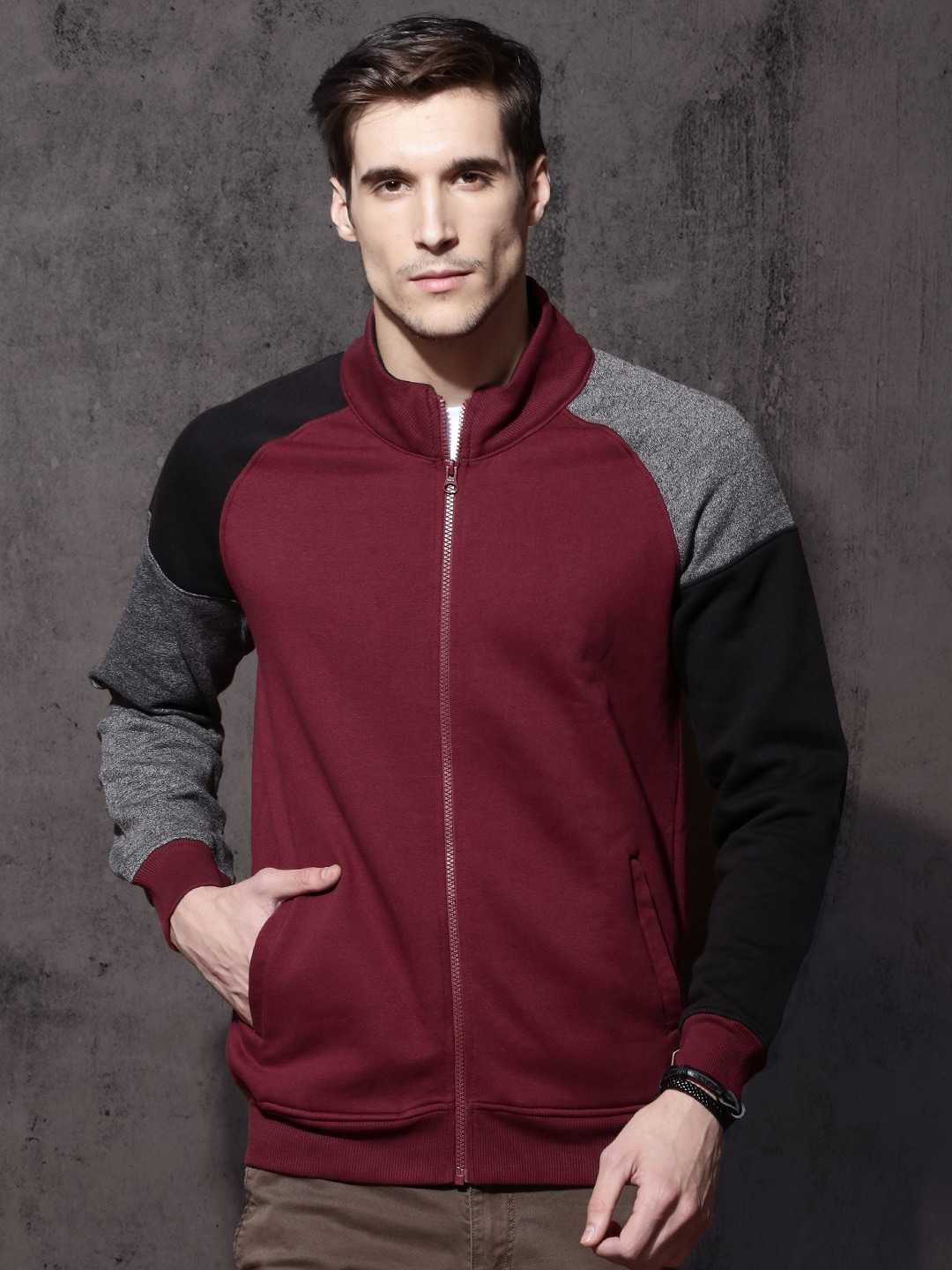 Roadster Men Burgundy Solid Sweatshirt image