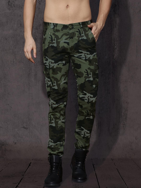 Roadster Men Green & Black Regular Fit Printed Cargos