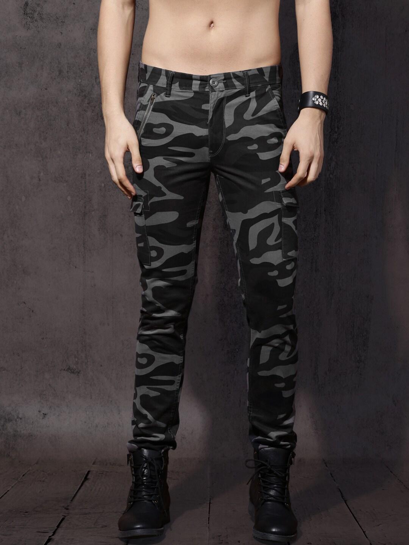 Roadster Men Grey & Black Regular Fit Printed Cargos