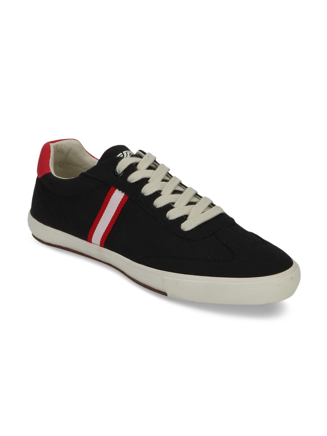 Red Tape Men Black Sneakers image