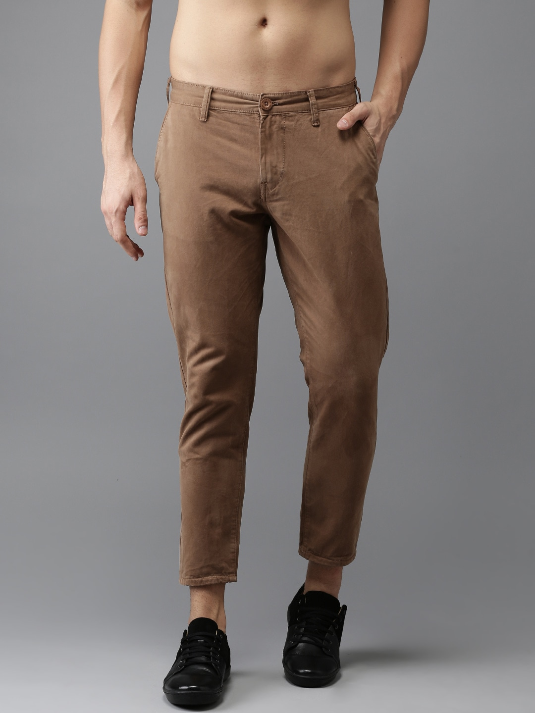 HERE&NOW Men Brown Slim Fit Solid Chinos image