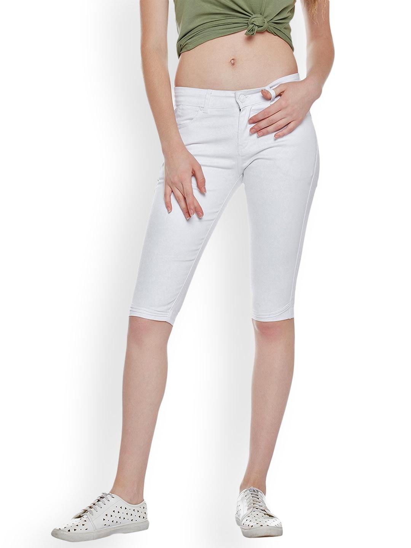 Devis Women White Solid Slim Fit Capris image