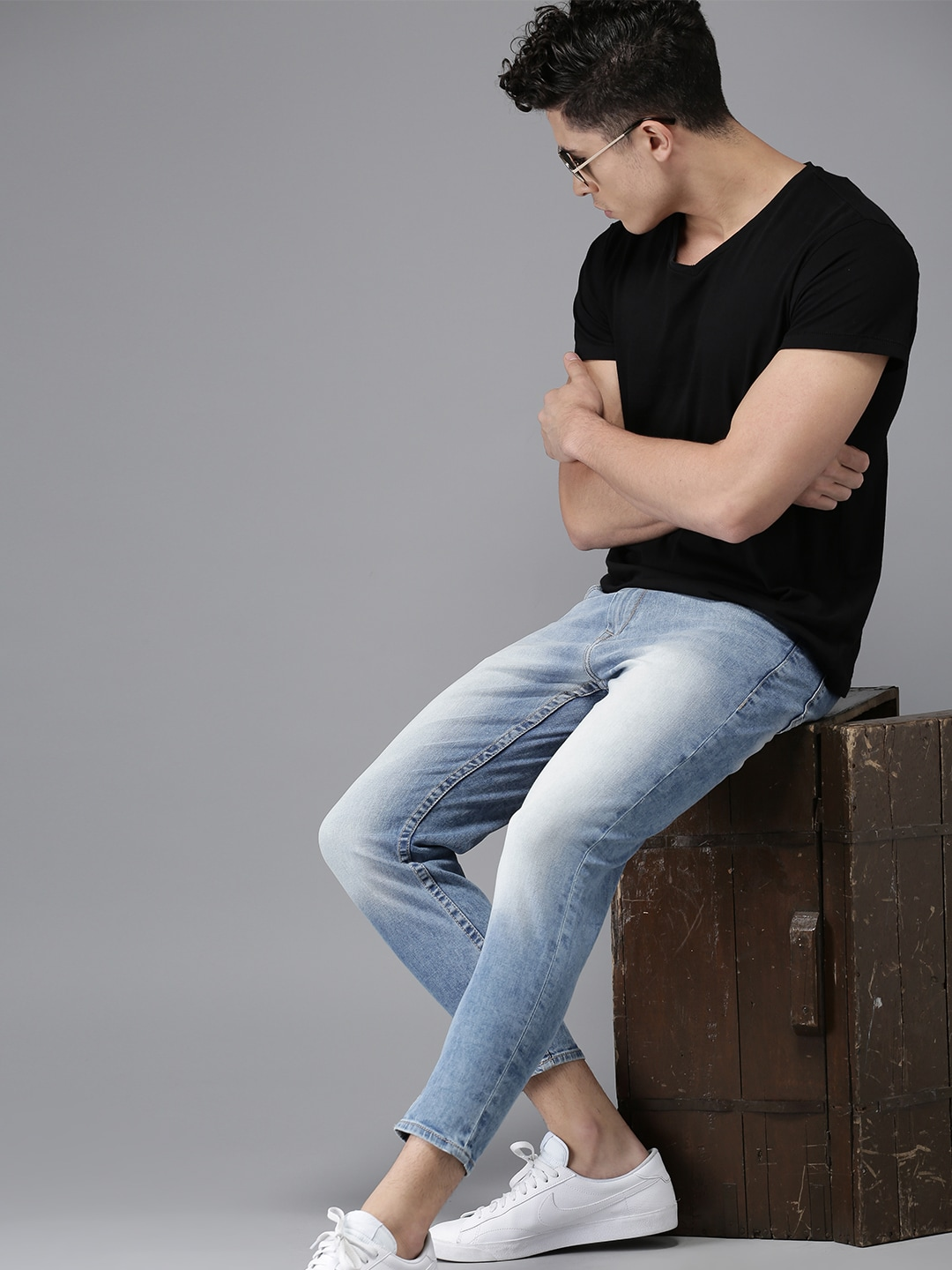 HERE&NOW Men Blue Slim Fit Mid-Rise Clean Look Stretchable Ankle-Length Jeans