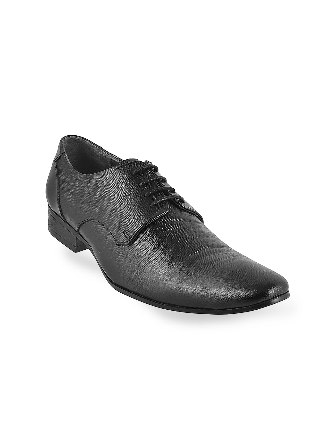 Metro Men Black Solid Leather Derbys image