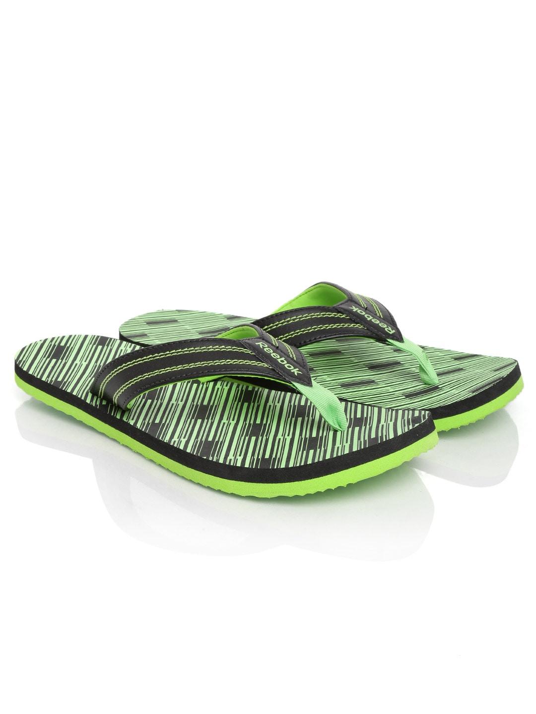 8864dc4551f343 Reebok v62305 Men Black And Green Flip Lp Printed Flip Flops- Price in India