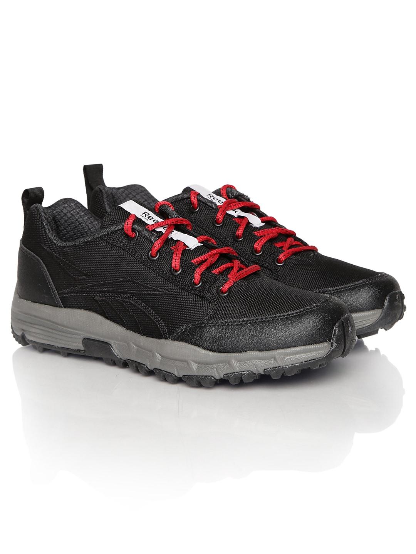b662a20967ce Reebok v62268 Men Black Reverse Smash Lp Trail Shoes- Price in India