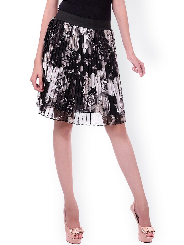 SASSAFRAS Black & White Floral Print Pleated A-Line Skirt image