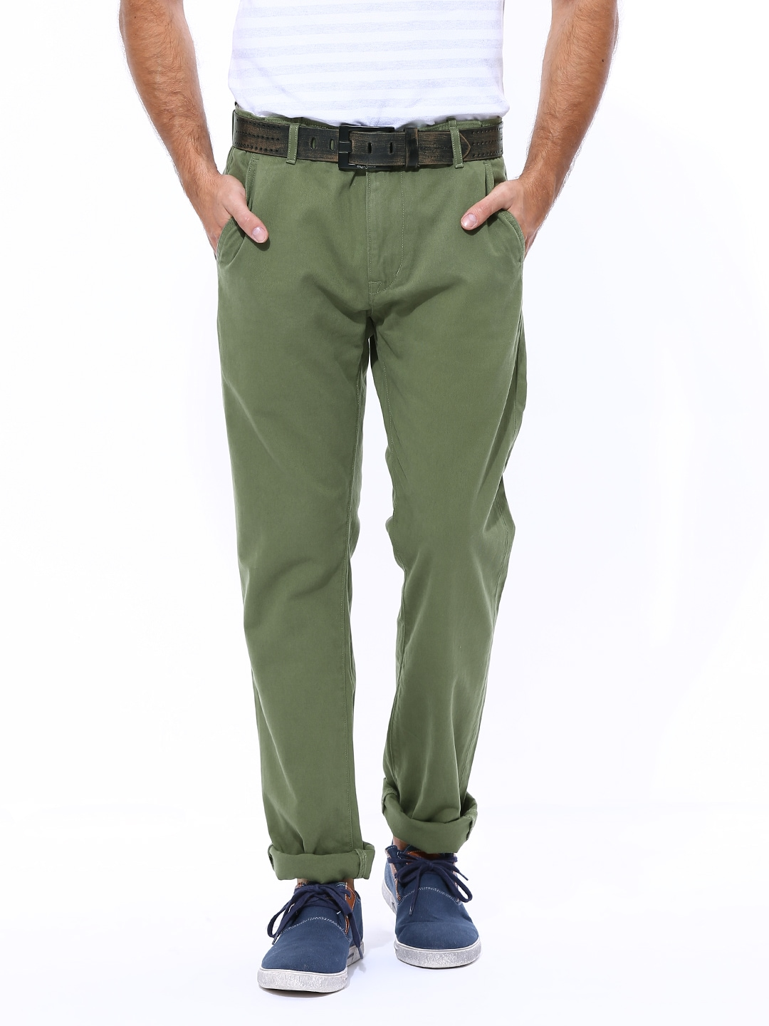 f7b17c187c7 Levis 18483-0002 Men Olive Green Straight Fit Chino Trousers- Price in India